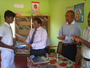 Books donation to Ambalavan Pokkanai MV School Library